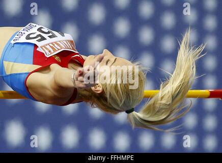 Moscow, Russia. 14th Feb, 2016. Yekaterina Fedotova of Russia competes in the women's high jump event during - Stock-Bilder