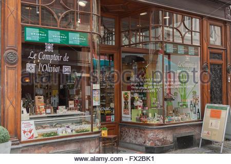 Le comptoir stock photos le comptoir stock images alamy - Le comptoir de l assurance ...
