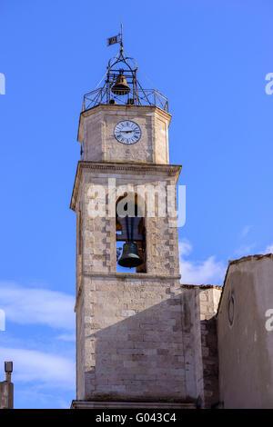 Clocher stock photos clocher stock images alamy for Miroir aux oiseaux