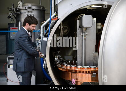 YEKATERINBURG, RUSSIA - MAY 20, 2016: The Centre for reconditioning hot gas path components of gas turbines which - Stock-Bilder