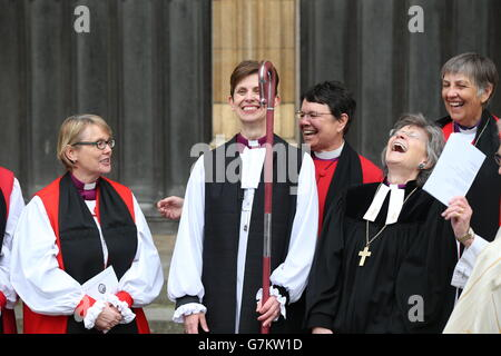 wimborne minster black single women An official count of longevity showed that life expectations are greatest for both men and women in and around wimborne wimborne minster is a new single she.