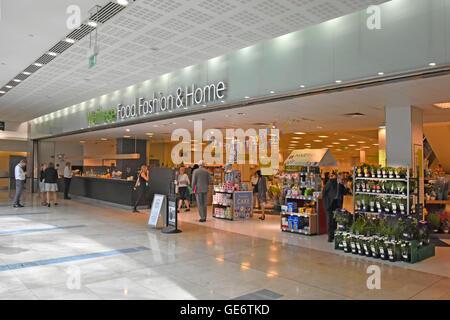 Canary Wharf Shopping Centre Fashion Show