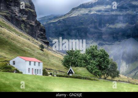 Iceland's oldest church, Nupsstadur, turf church, South, Iceland - Stock-Bilder