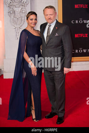 London, UK. 1st November, 2016. Allegra Riggio and Jared Harris attends the World Premiere of new Netflix Original - Stock-Bilder