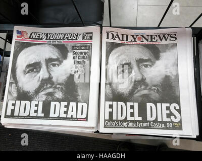 The New York Post and Daily News on Saturday, November 26, 2016 look almost identical as they report on the death - Stock-Bilder
