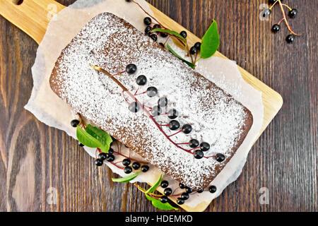 Decorating A Partially Frozen Wedding Cake