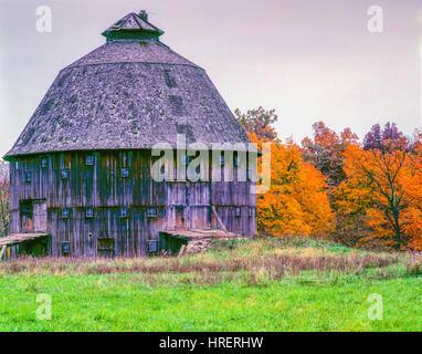 Round barn, Naer Dana, Indiana Vermillion County/Western Indiana Historic barn still in use - Stock-Bilder