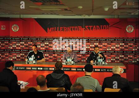 Pressekonferenz FC St. Pauli, 2. Bundesliga, 1. FC Heidenheim, Hamburg, Deutschland - Stock-Bilder