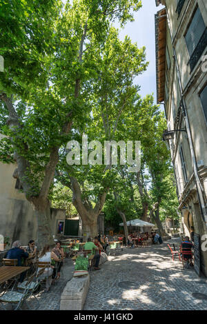 Rue des Teinturiers, Restaurants, street cafe, Avignon, Provence, - Stock Image