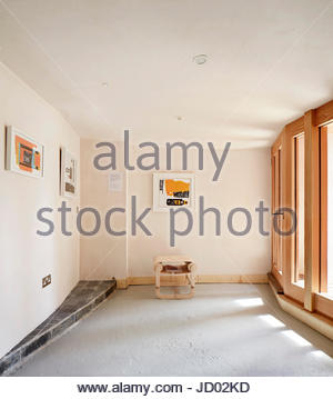 Gallery within the building. Studio Totnes, Totnes, United Kingdom. Architect: David Sheppard Architects, 2016. - Stock-Bilder