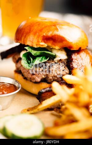 royal brie & bacon burger - Stock Image