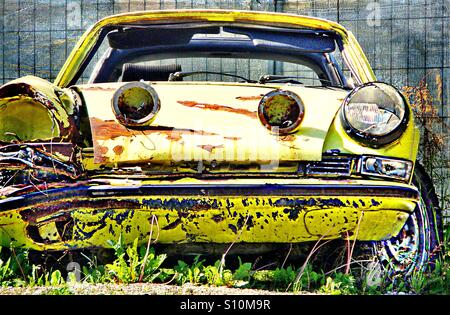 ...it is a pity..such fine old Porsche...! - Stock Image