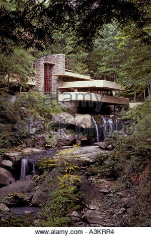 fallingwater-designed-by-frank-lloyd-wri