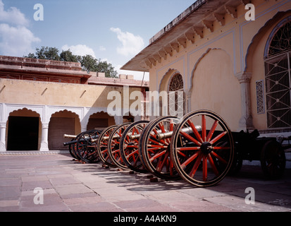 A row of cannon outside a building in the Chandra Mahal - City Palace - of Jaipur - Stock Image