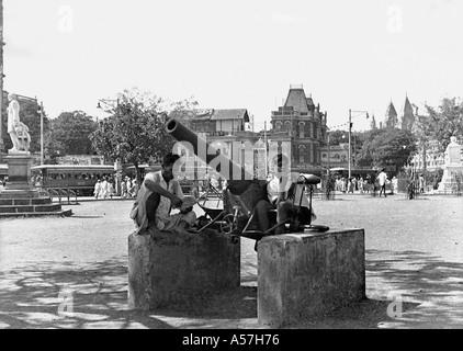 PCP052A Old Gun Fort VT Bombay Mumbai Maharashtra India 1946 - Stock Image