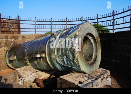 Mulukh-e-Maidan Cannon, Bijapur Fort, Bijapur, Karnataka, India - Stock Image