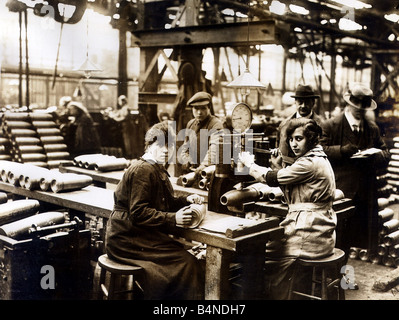 women and munition making This resource explores the work done in the first world war by women factory workers and its many dangers historical background is supplemented by the examples of.