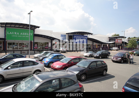 Furniture Village Aylesbury retail car park stock photos & retail car park stock images - page