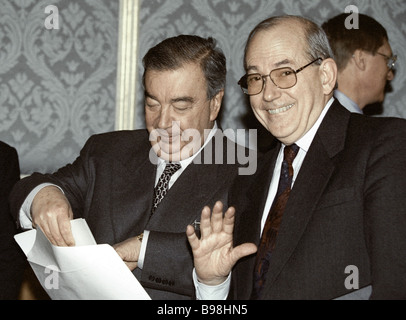 prime minister yevgeni primakov and the characteristics of a leader Moscow (ap) former russian prime minister yevgeny primakov, whose career included desperate but unsuccessful diplomatic efforts to avert wars in iraq and nato's bombing of yugoslavia, has died he was 85 president vladimir putin on friday offered condolences to primakov's family, putin's.