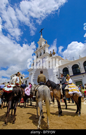 huelva single men With around 40 single women and over 60 single men, over the age of 30 in villanueva de tapia, the revival of this ancient tradition looks set to entertain and even build bridgeds well into the 21st century.