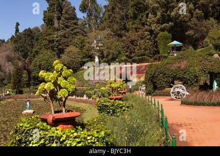 India, Tamil Nadu, Udhagamandalam (Ooty), Botanical Gardens, Italian Garden terrace - Stock Image