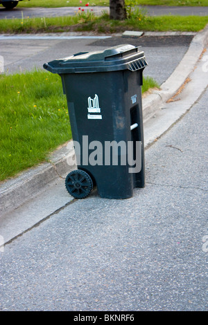 Garbage stock photos garbage stock images alamy - Rd rubbish bin ...
