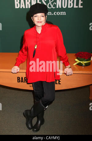 Minnelli stock photos minnelli stock images alamy for Barnes and noble winter garden