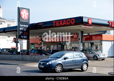 Petrol stock photos petrol stock images page 6 alamy for Garage energy automobiles