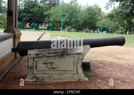 An old cannon displayed at the Napier Museum of Art and Natural history Thiruvananthapuram Kerala India - Stock Image
