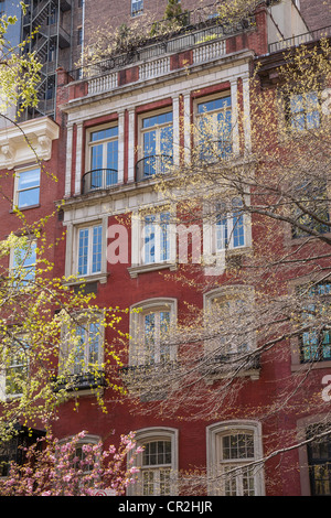 Brownstone stock photos brownstone stock images alamy for Gramercy park townhouse for sale