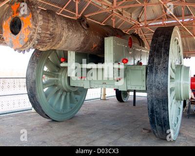 Jaivana largest cannon on wheels Jaigarh Fort near Jaipur Rajasthan India - Stock Image