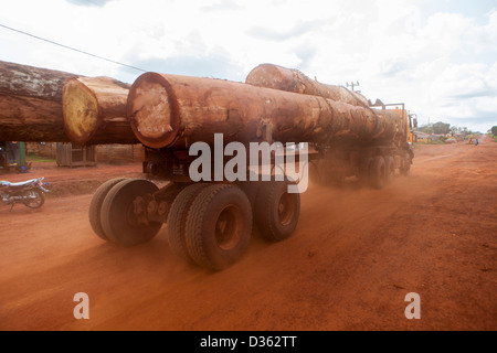 cameroon-2nd-october-2012-a-logging-truc