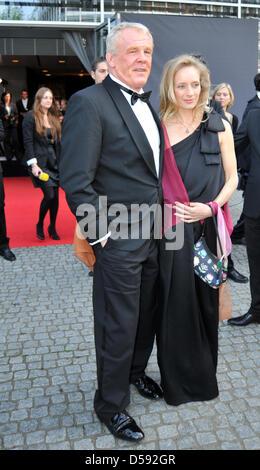 Hollywoodschauspieler Nick Nolte kam mit seiner Lebensgefahrtin ...