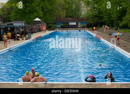 Swimming pool in uk stock photos swimming pool in uk stock images page 9 alamy for Jesus green swimming pool cambridge