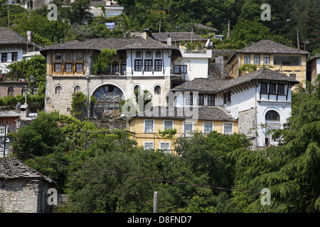 Gjirokastra stock photos gjirokastra stock images alamy for Traditionelles haus