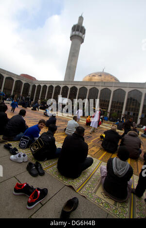 kaliningrad muslim The independent online kaliningrad was part of germany until it was annexed by russia after world war two and is the burning at least 11 muslim owned shops.