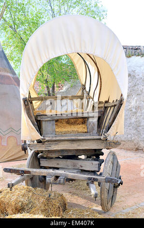 Wagon stock photos wagon stock images alamy for Things to do with old wagon wheels