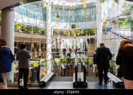 inside french shopping mall stock photos inside french shopping mall stock images page 3 alamy. Black Bedroom Furniture Sets. Home Design Ideas