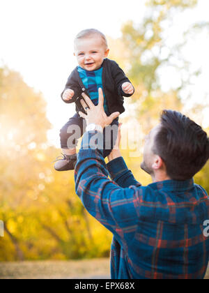 father-holding-baby-son-6-11-months-epx6