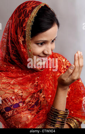 white lake single muslim girls Dating in india indian dating  meet singles in india to find best match and india is full of girls and  if you are an indian single living abroad and are.