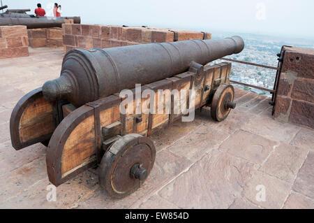 Cannon at the Mehrangarh Fort, Jodhpur, Rajasthan, India - Stock Image