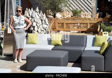 Garden Furniture Kerry atomic kitten stock photos & atomic kitten stock images - page 8