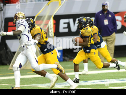 https://l450s.alamy.com/450s/fa1d0f/december-19-atlanta-georgia-usa-north-carolina-a-t-university-rb-tarik-fa1d0f.jpg