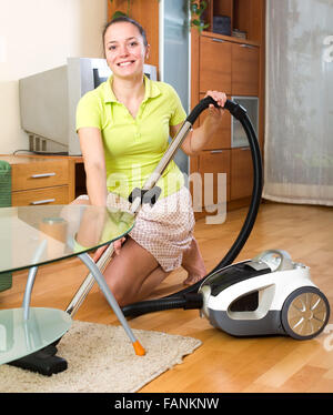 Vacuuming Stock Photos Amp Vacuuming Stock Images Alamy