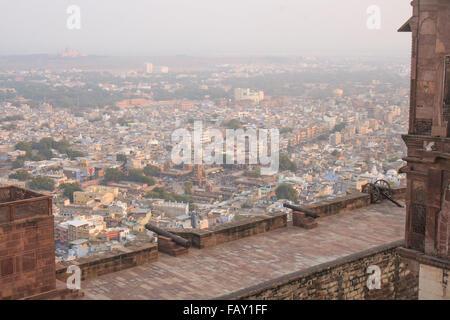30th November 2015, Jodhpur, Rajastan, India. View from Mehrangarh Fort with canon on the ramparts overlooking Jodhpur. - Stock Image