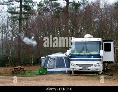 Motorhome stock photos motorhome stock images alamy for Camping jardin de mon pere