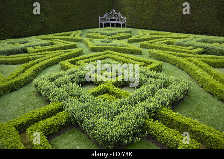 Fl1 stock photos fl1 stock images page 8 alamy for Tudor knot garden designs