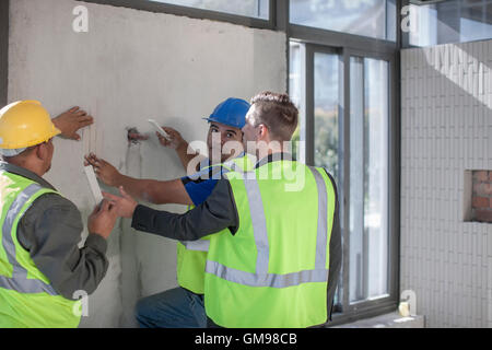 construction site workers stock photos & construction site workers