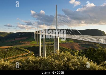 the-world-famous-millau-viaduct-captured