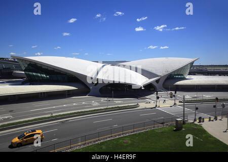 twa-flight-center-terminal-at-jfk-airpor